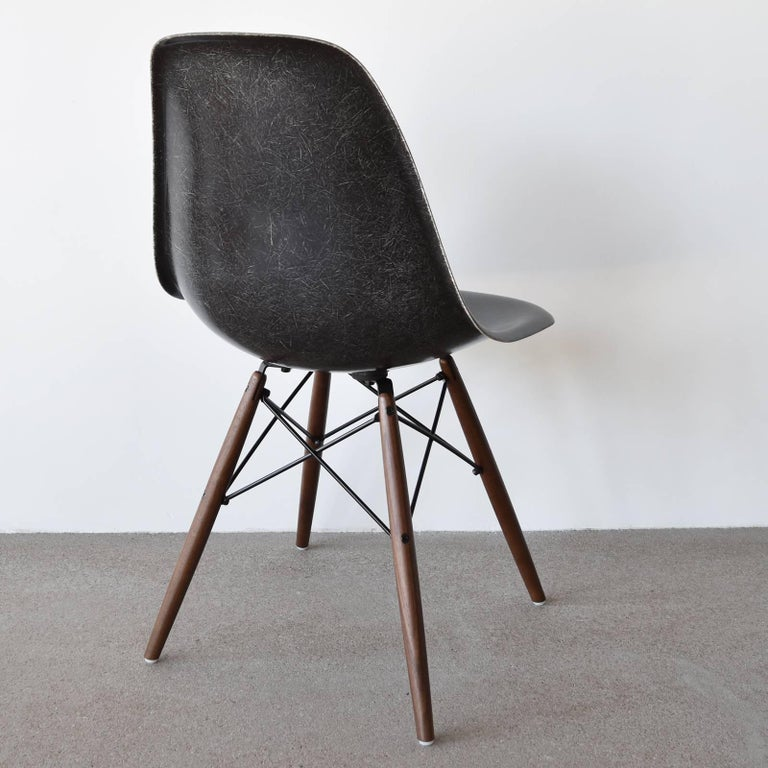Mid-Century Modern Set of Six Eames Black Dsw Herman Miller, USA Dining Chairs