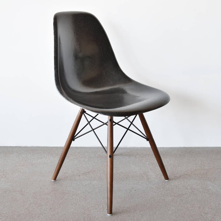 American Set of Six Eames Black Dsw Herman Miller, USA Dining Chairs