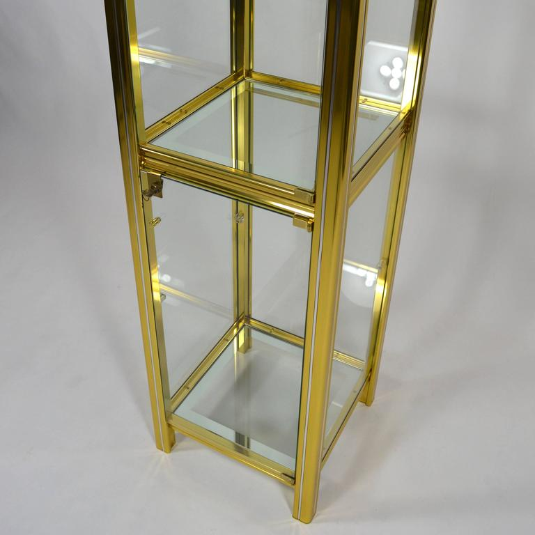 Midcentury Italian Brass Showcase For Sale 4