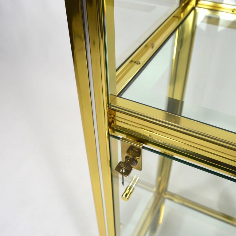 Late 20th Century Midcentury Italian Brass Showcase For Sale