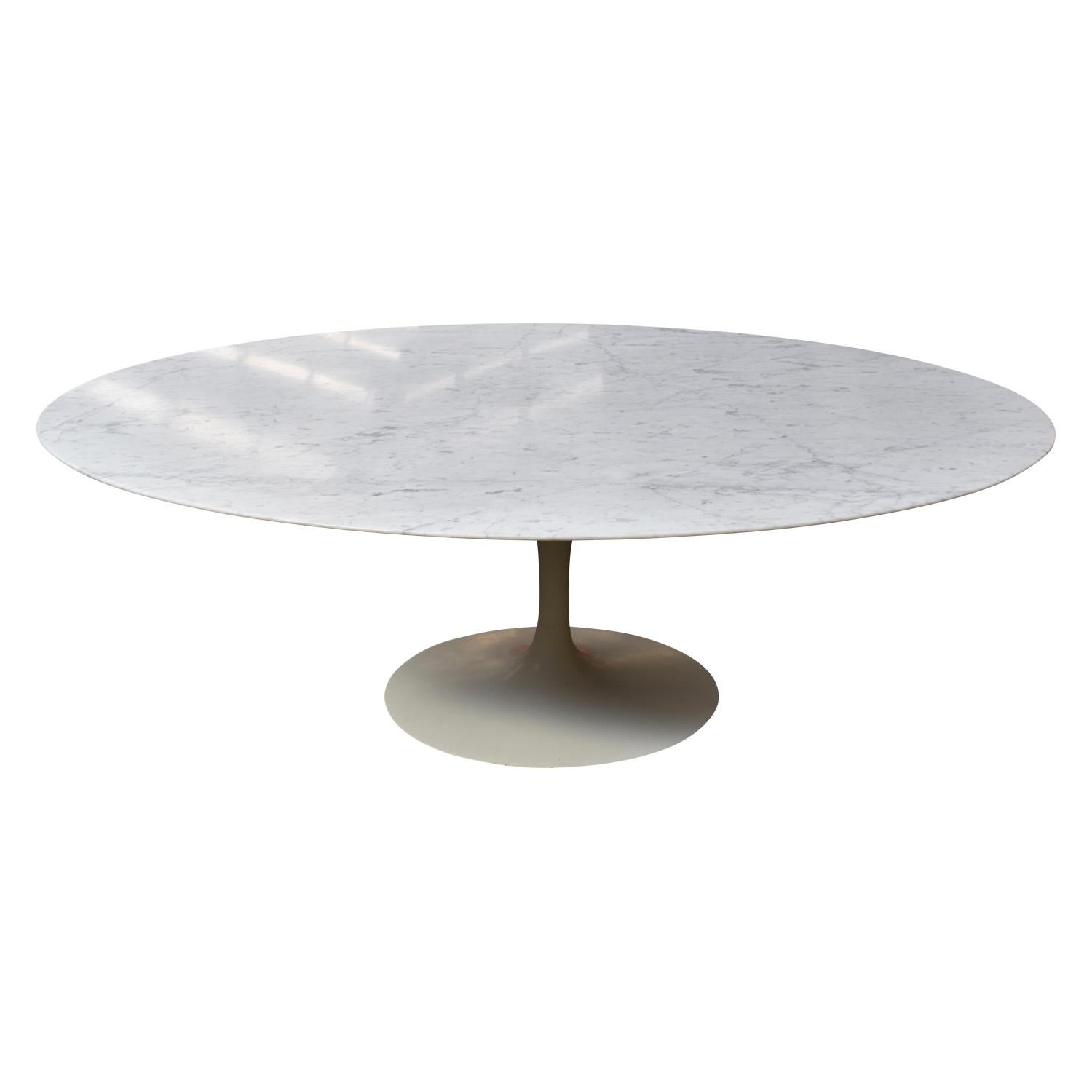 Oval Carrara Marble Dining Table By Eero Saarinen For Knoll For Sale - Saarinen carrara marble table