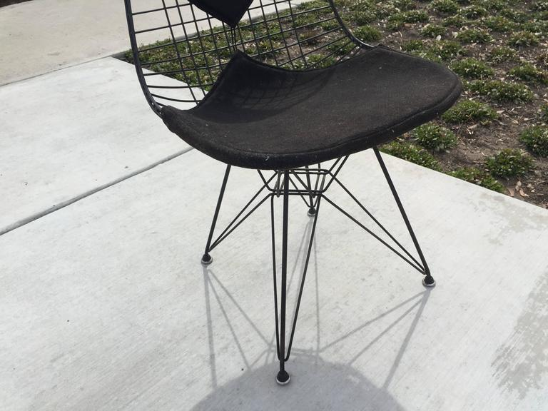 Gentil All Original Early Production Eames DKR Bikini Wire Chair With Eiffel Tower  Base In Good Condition