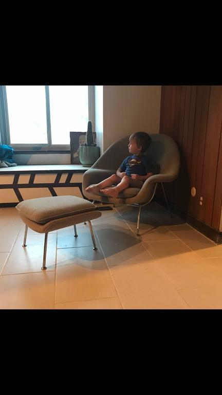 Eero Saarinen Child Size (Medium) Womb Chair and Ottoman for Knoll 2