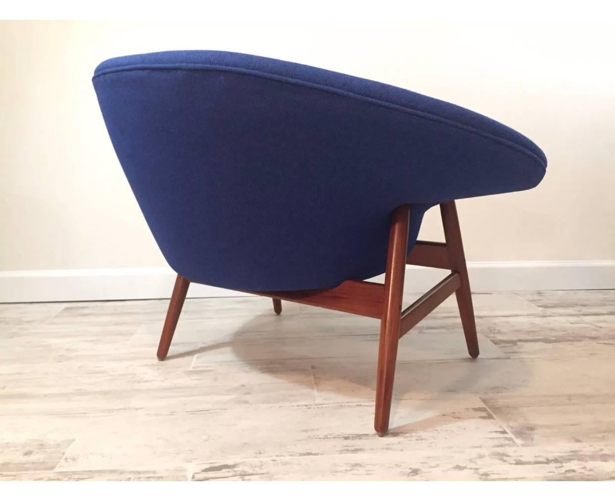 Mid-20th Century Hans Olsen Fried Egg Chair for Bramin Danish Lounge For Sale  sc 1 st  1stDibs & Hans Olsen Fried Egg Chair for Bramin Danish Lounge at 1stdibs