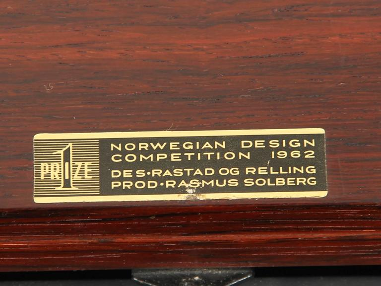Bar Coffee Table in Palissander by Rolf Rastad and Adolf Relling For Sale 3