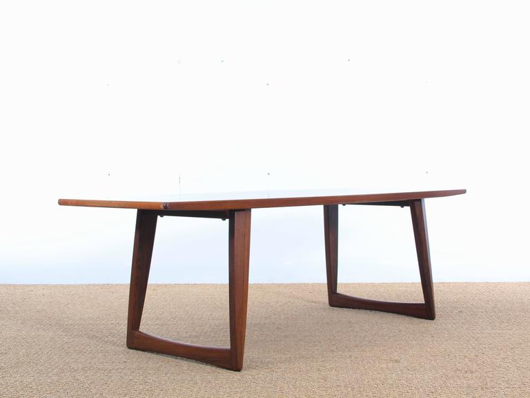 Mid Century Modern Large Coffee Table In Rosewood With Sledge Legs At 1stdibs