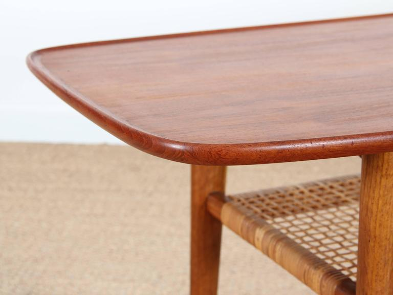 Mid-Century Modern Scandinavian Coffee Table in Teak and Oak at 1stdibs