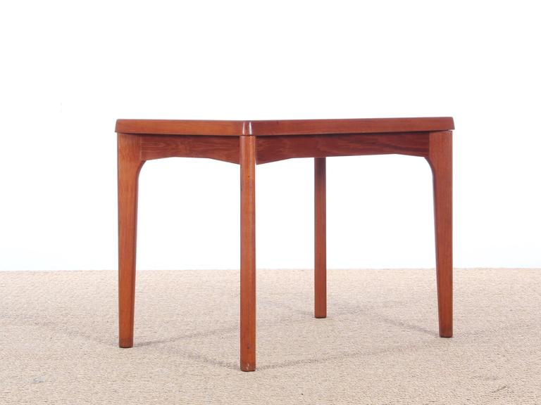 Charmant Danish Anish Mid Century Modern Side Table In Teck By Henning Kjærnulf For  Sale
