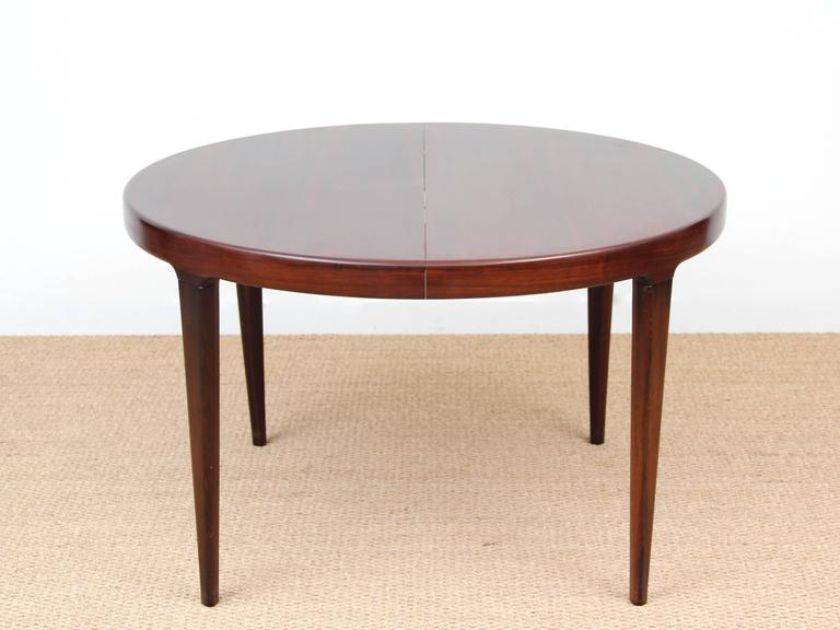 Scandinavian Style Dining Room Table: Scandinavian Round Dining Table In Rosewood For Sale At