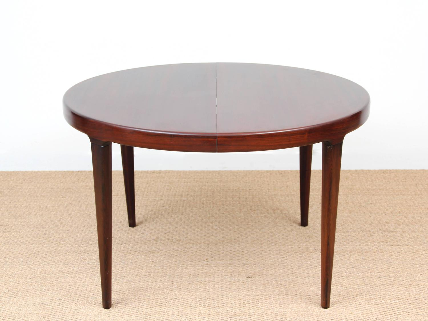 Scandinavian Round Dining Table In Rio Rosewood For Sale