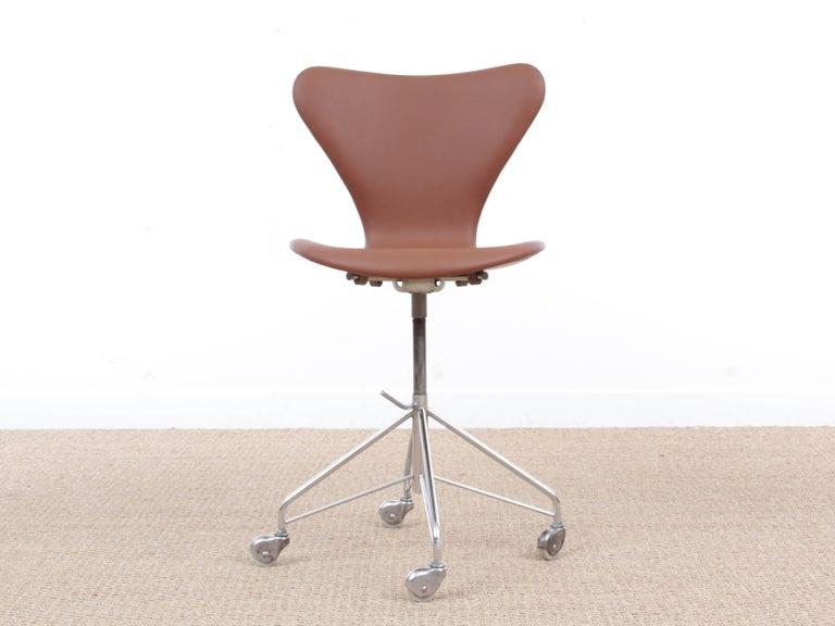 Mid Century Modern Scandinavian Leather Desk Chair Model 3117 By Arne Jacobsen For Fritz Hansen