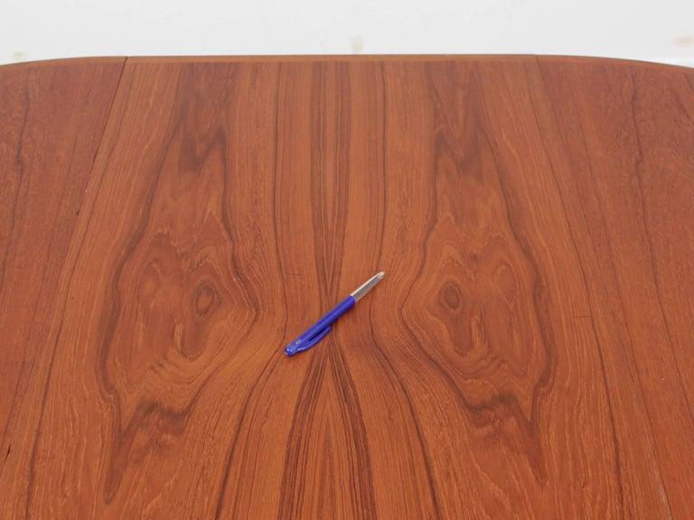 Mid-Century Modern Scandinavian Round Dining Table in Teak For Sale 5