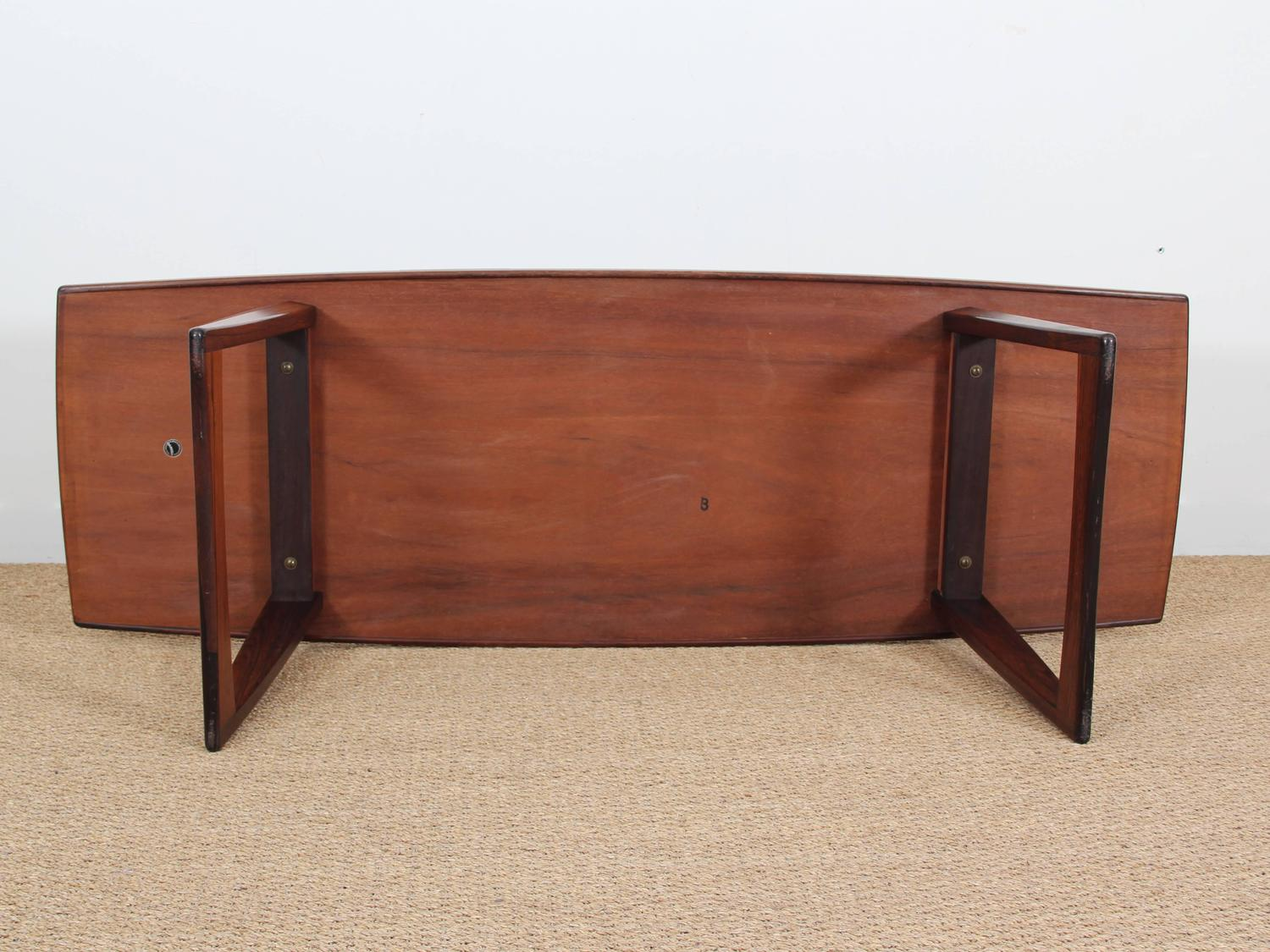 Mid Century Modern Large Coffee Table In Rio Rosewood With Sledge Legs For Sale At 1stdibs