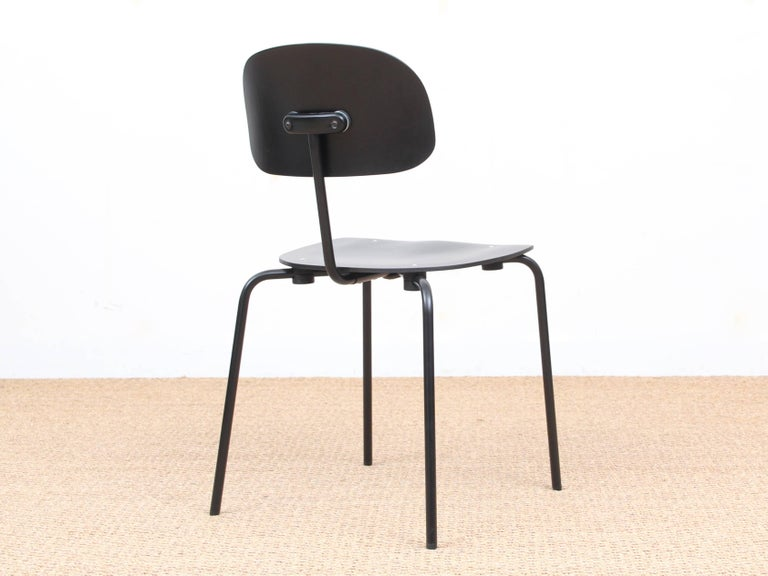 Mid-Century Modern Chair Model S 188 In Excellent Condition For Sale In Courbevoie, FR