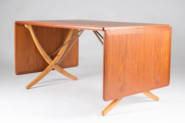 Mid-Century Modern Midcentury Hans Wegner Drop-Leaf Table AT-304 For Sale