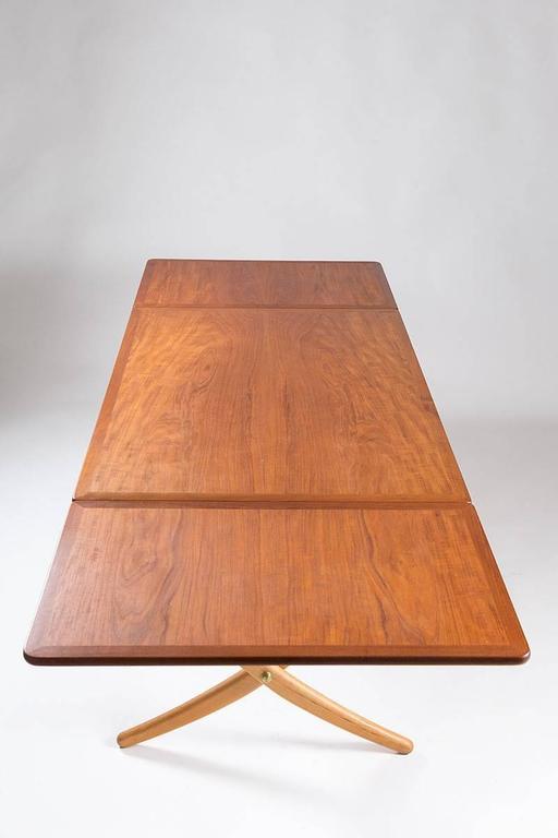 Danish Midcentury Hans Wegner Drop-Leaf Table AT-304 For Sale