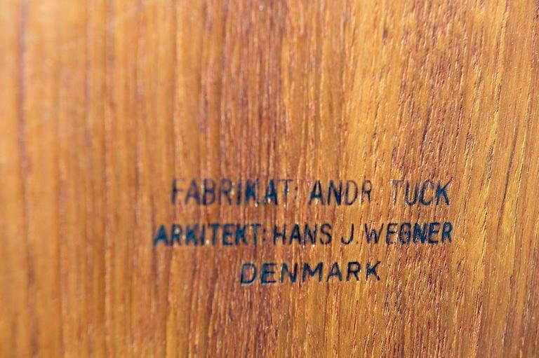 Midcentury Hans Wegner Drop-Leaf Table AT-304 For Sale 3