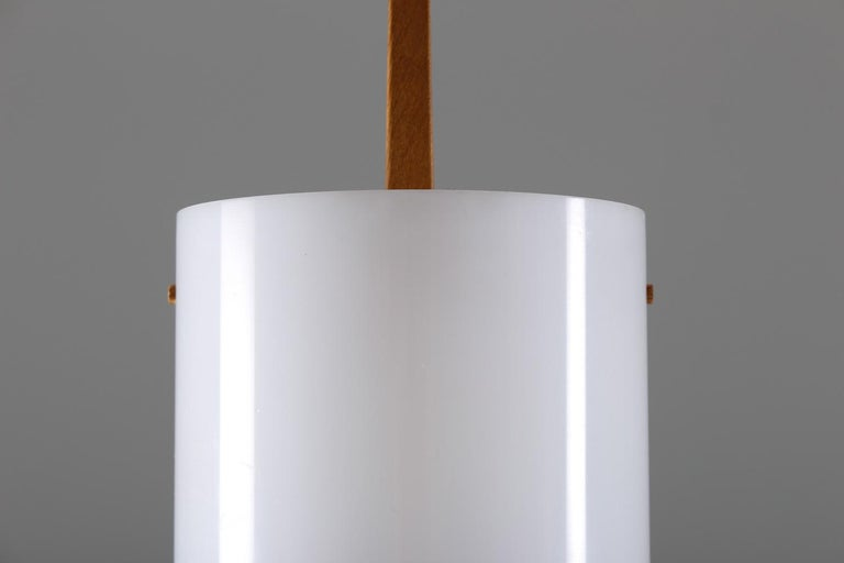 Swedish Midcentury Table Lamps in Acrylic and Oak by Luxus, 1960s In Good Condition For Sale In Karlstad, SE