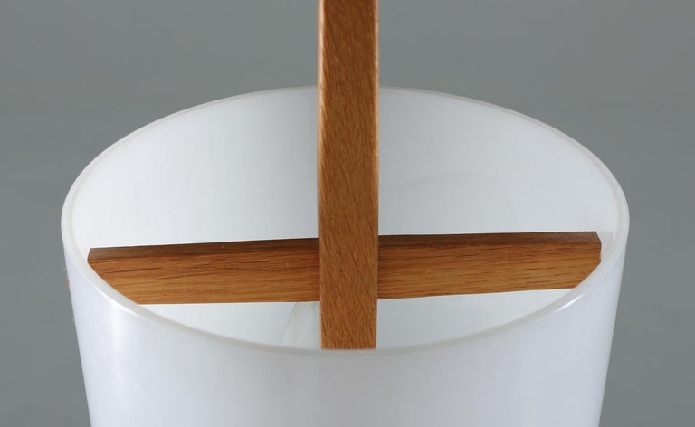 Swedish Midcentury Table Lamps in Acrylic and Oak by Luxus, 1960s For Sale 1