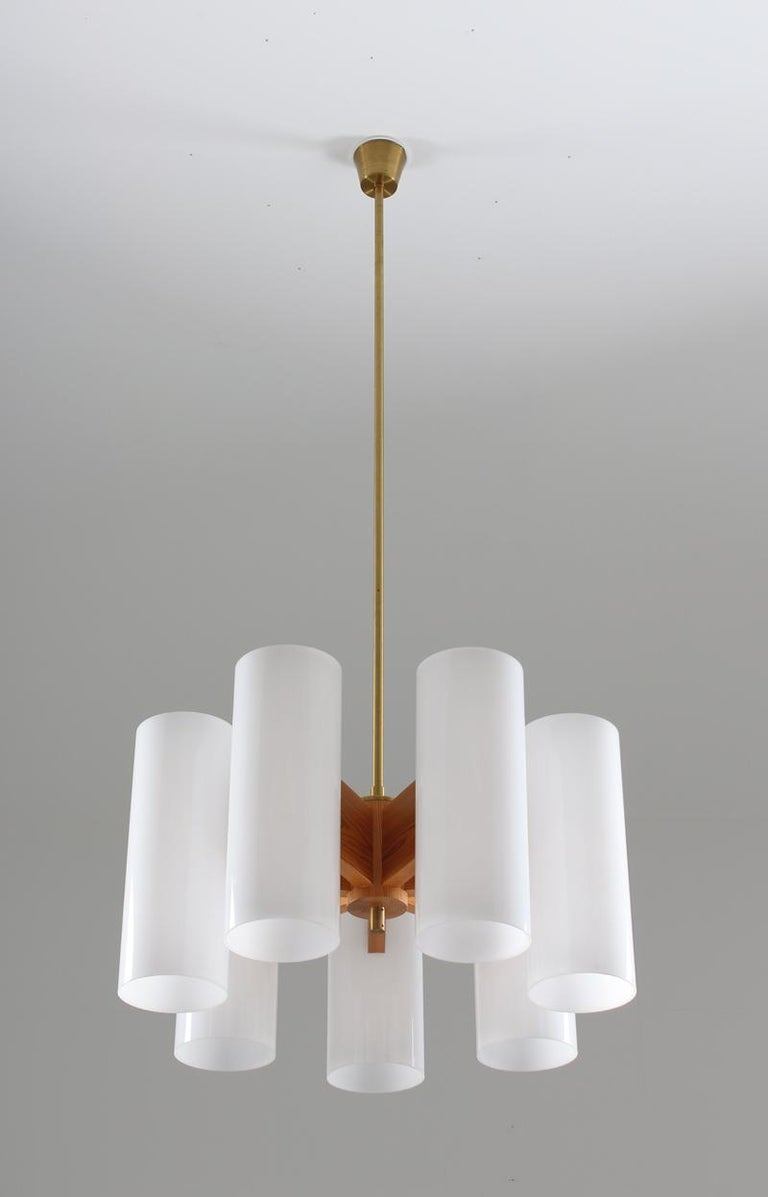 Pair of Large Swedish Midcentury Chandeliers in Acrylic, Pine and Brass by Luxus In Good Condition For Sale In Karlstad, SE