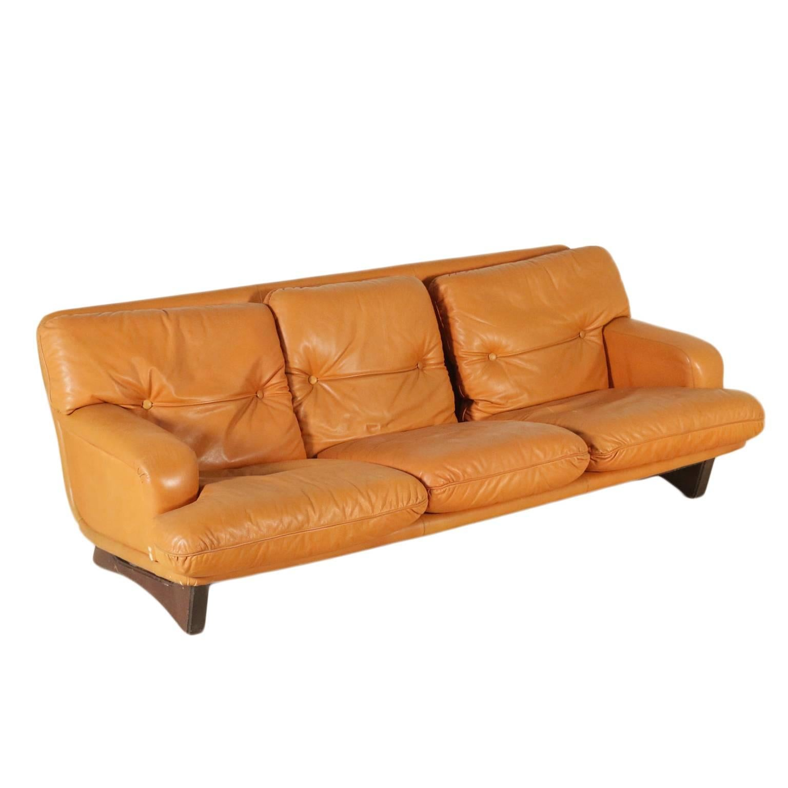 Exceptionnel Sofa Foam Padding Leather Upholstery Vintage, Italy, 1960s For Sale