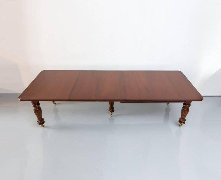 Antique Anglo-Indian or British Colonial Teakwood Extending Dining Table For Sale 3