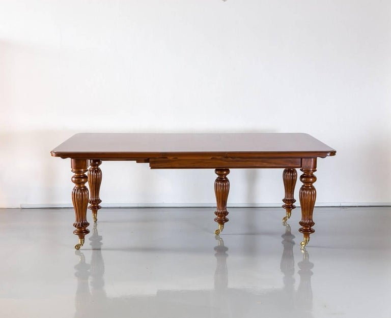 Antique Anglo-Indian or British Colonial Teakwood Extending Dining Table For Sale 1