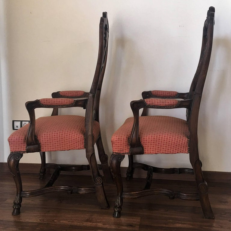 1940s Burl Walnut Queen Anne Style Pair of Armchairs In Excellent Condition For Sale In Miami, FL