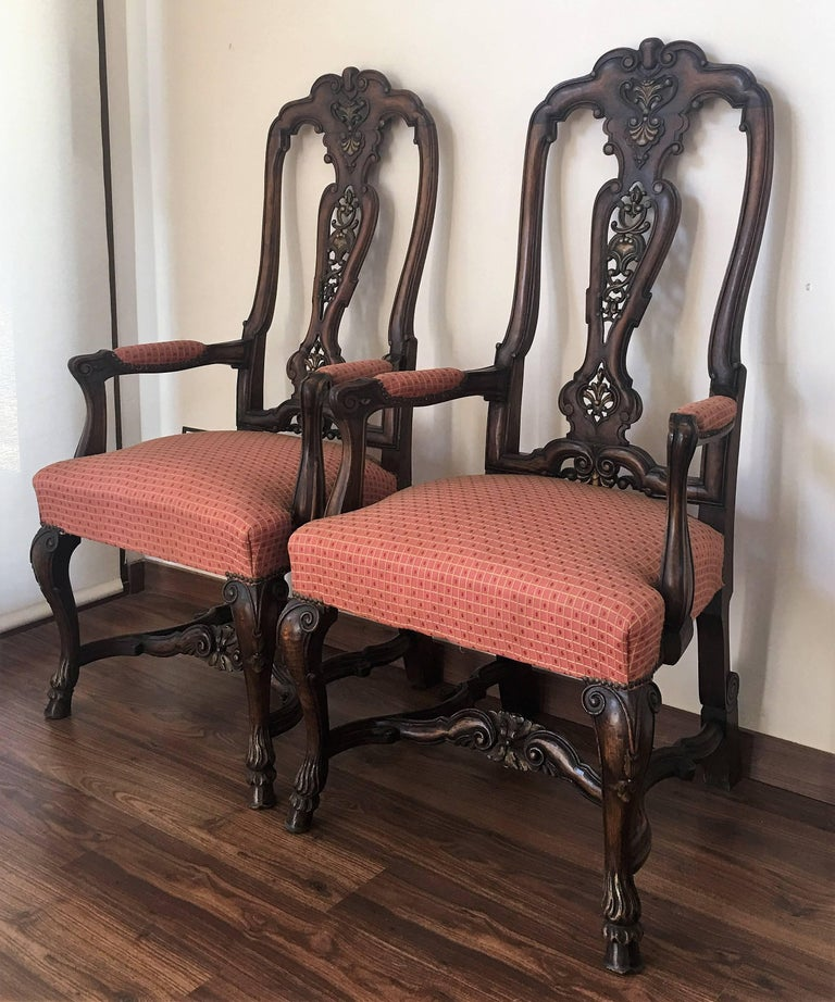 English 1940s Burl Walnut Queen Anne Style Pair of Armchairs For Sale