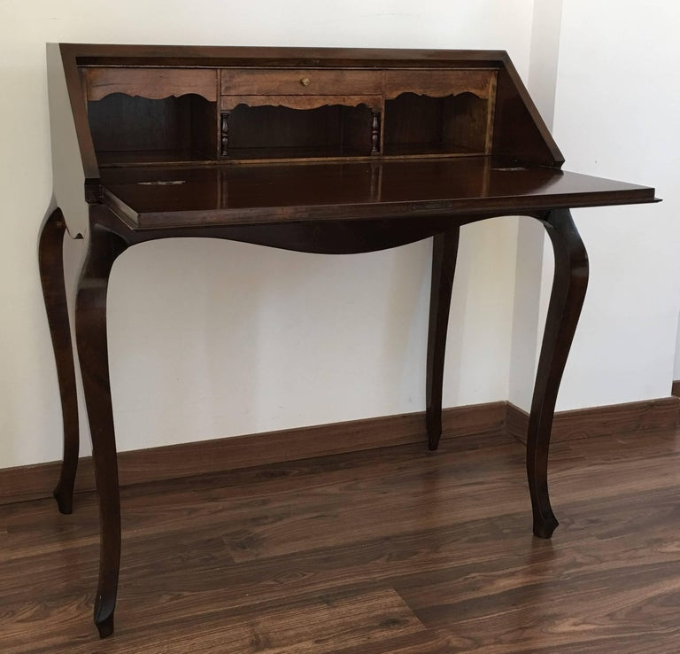 20th Century Queen Anne Style Lady Writing Desk Bureau France In Excellent Condition For