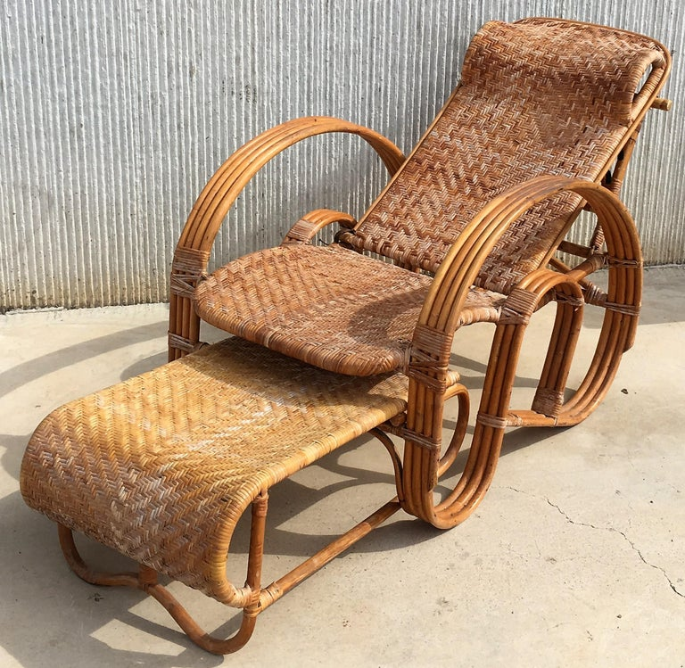 20th Century Adjustable Bentwood and Rattan Chaise Longue with Ottoman For Sale 2
