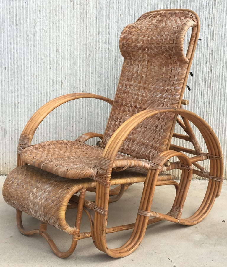 European 20th Century Adjustable Bentwood and Rattan Chaise Longue with Ottoman For Sale