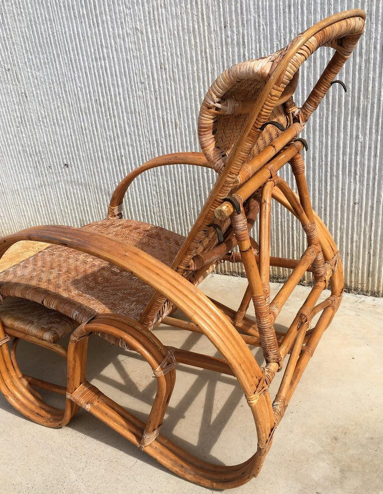 20th Century Adjustable Bentwood and Rattan Chaise Longue with Ottoman For Sale 6