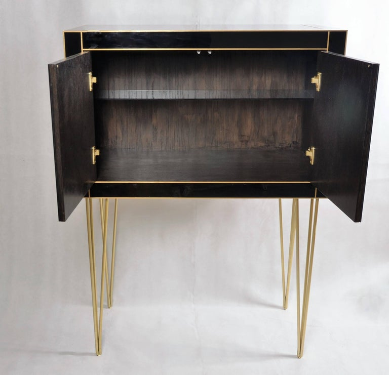 Italian Handmade Mirrored Bar Cabinet on Stand in Murano Glass and Brass Inlay For Sale