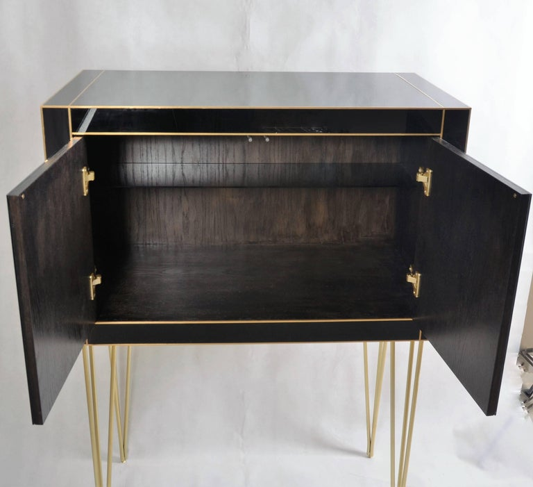 Handmade Mirrored Bar Cabinet on Stand in Murano Glass and Brass Inlay In Excellent Condition For Sale In Miami, FL