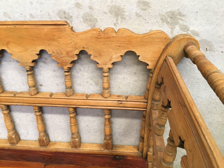 19th Century Large Pine Country Bench or Daybed For Sale 3