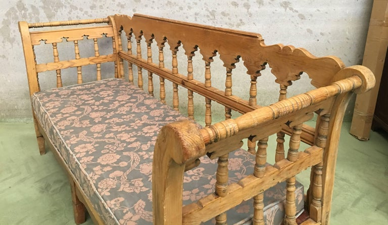 19th Century Large Pine Country Bench or Daybed For Sale 2