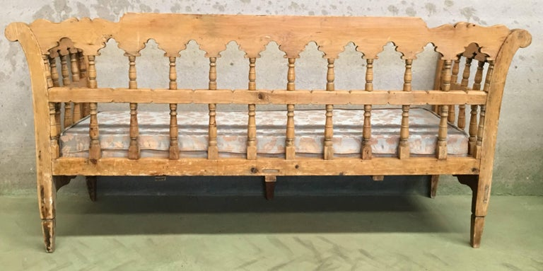 19th Century Large Pine Country Bench or Daybed For Sale 5