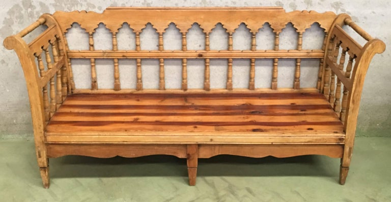 Renaissance 19th Century Large Pine Country Bench or Daybed For Sale