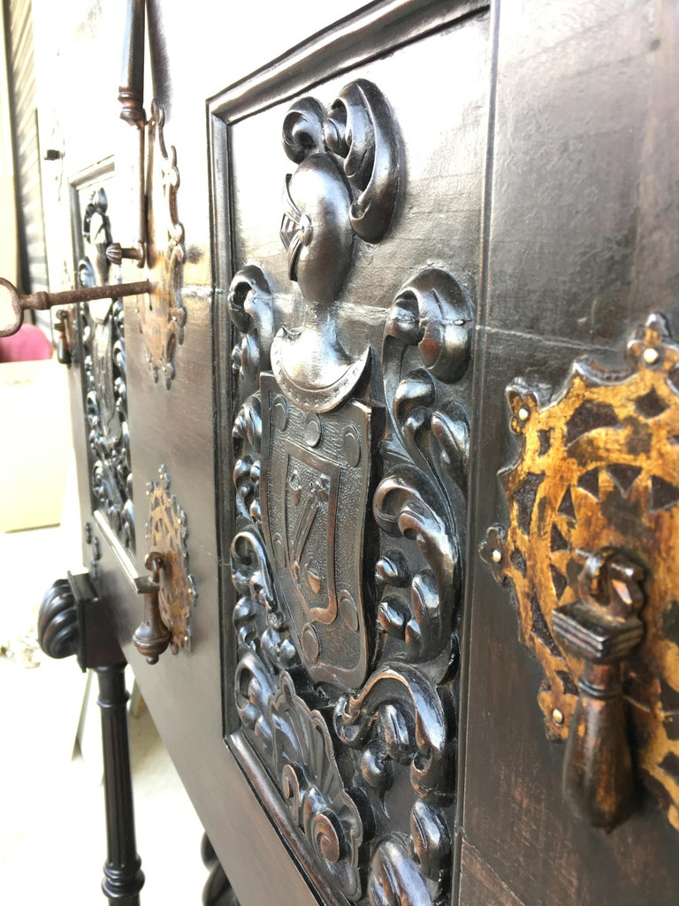 18th Century Spanish Baroque Style Cabinet on Stand, Bargueno or Varqueno In Excellent Condition For Sale In Miami, FL