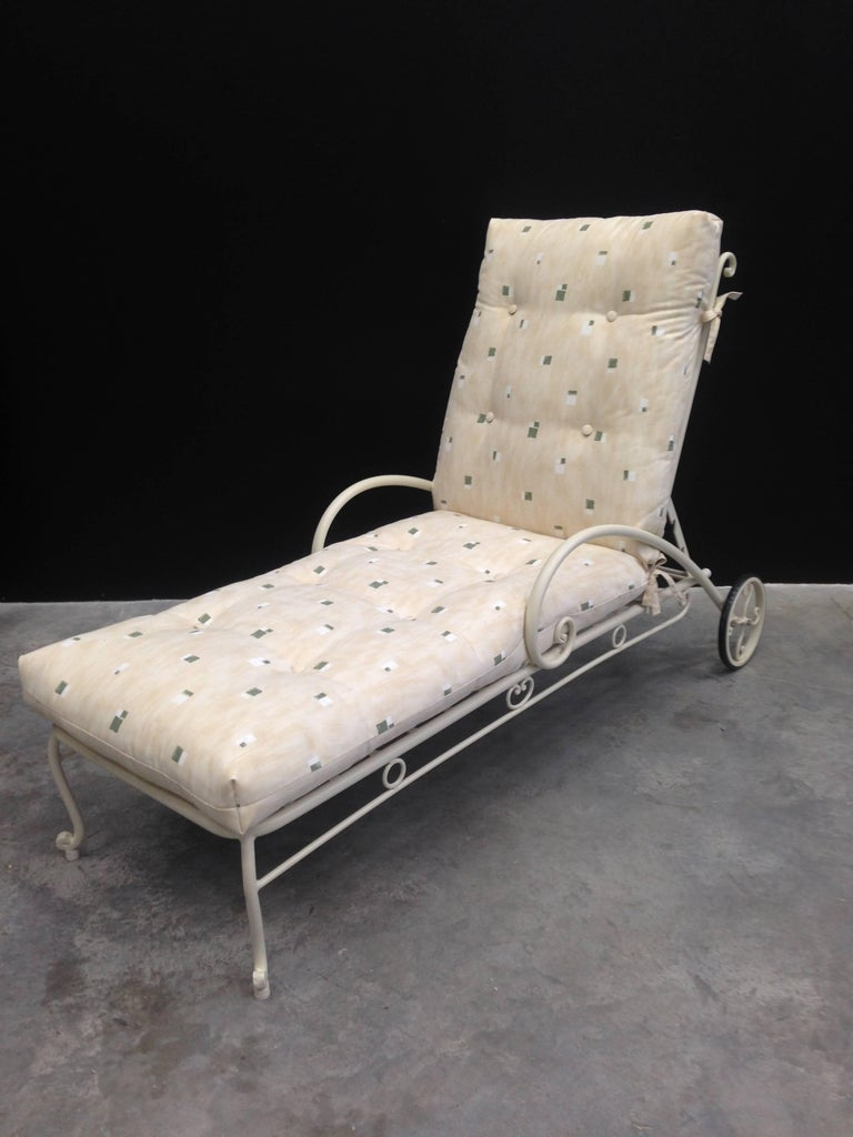 Adjustable Chaise Lounge with Wheels, Garden furniture. Indoor & Outdoor In Excellent Condition For Sale In Miami, FL