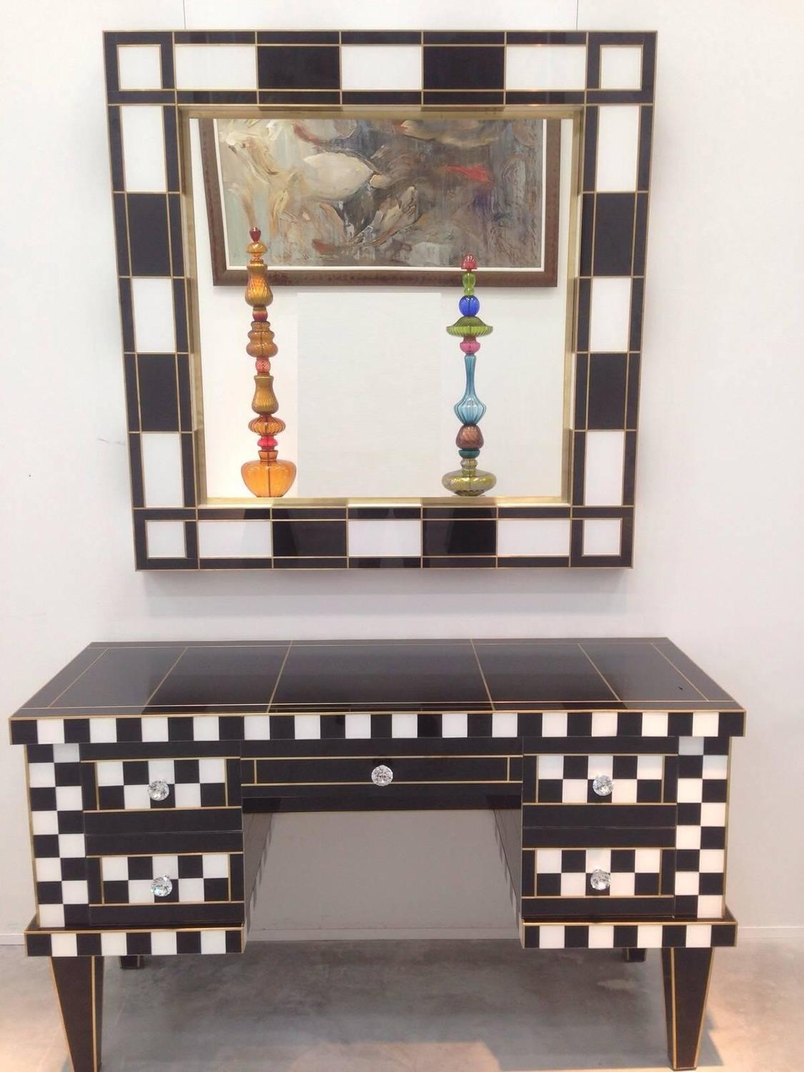 black and white glass mirror mirrored for sale at 1stdibs. Black Bedroom Furniture Sets. Home Design Ideas
