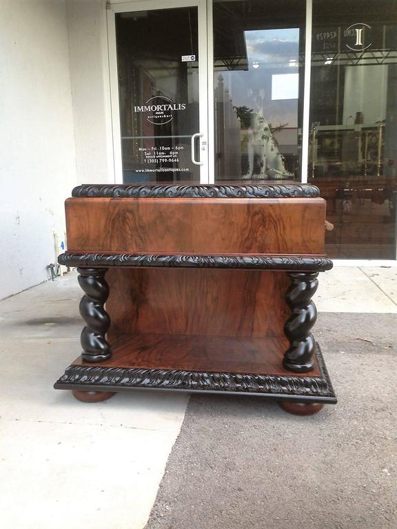 Important Art Deco Desk Table in Walnut with Black Glass Top For Sale 3