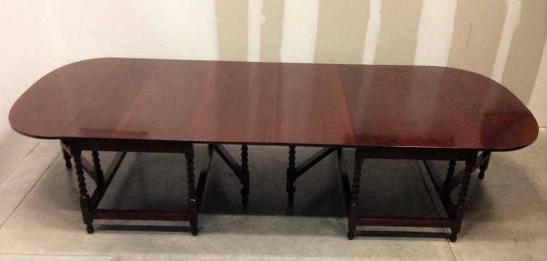Late Regency Period Two-Part Dining Table or Conference Table in Mahogany In Excellent Condition For Sale In Miami, FL