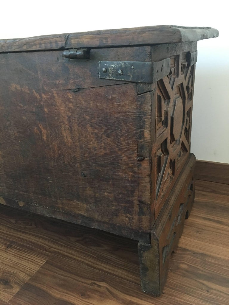 Spanish 18th Century Wood Coffer or Trunk For Sale 2