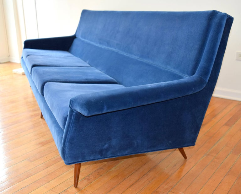 Mid-Century Modern Early Milo Baughman Angular Sofa for Thayer Coggin For Sale