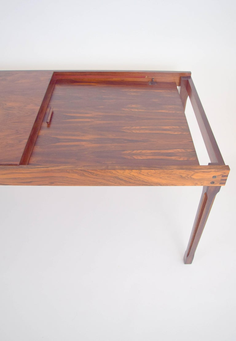 Ico Parisi Rosewood Expanding Dining Table for MIM In Excellent Condition For Sale In Chicago, IL