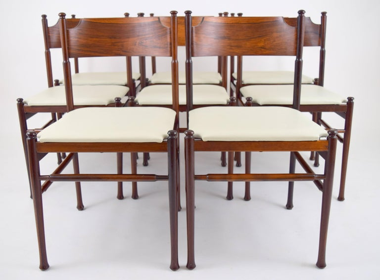 Mid-Century Modern Set of Eight Italian Rosewood and Leather Chairs in the Style of Osvaldo Borsani For Sale