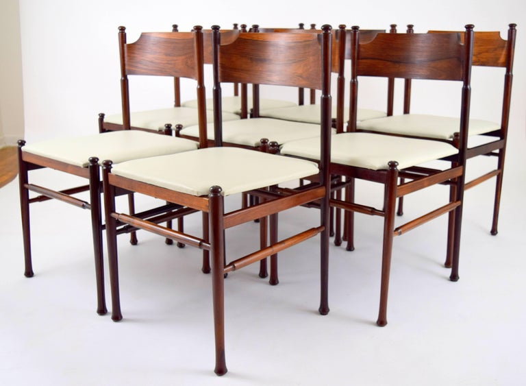 Set of Eight Italian Rosewood and Leather Chairs in the Style of Osvaldo Borsani For Sale 10