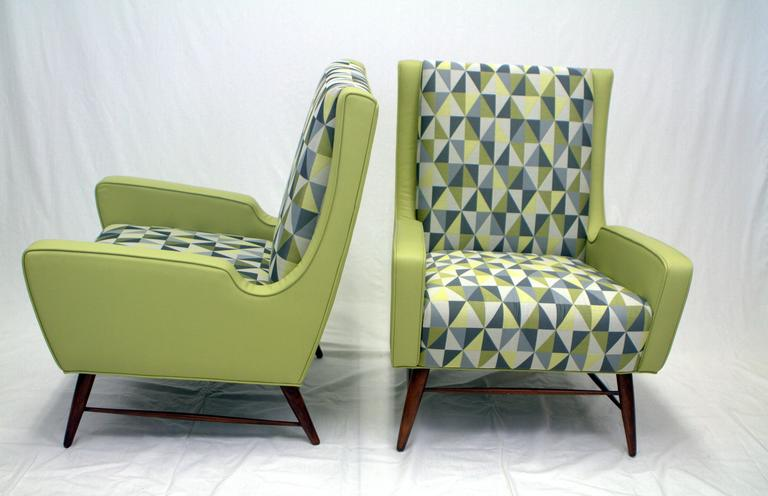 Mid-20th Century Pair of Italian Lounge Chairs in the Style of Gio Ponti For Sale